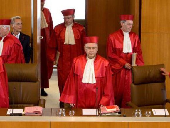 Das Bundesverfassungsgericht in Karlsruhe hält die Griechenland-Hilfen und die deutsche Beteiligung am Euro-Rettungsschirm für verfassungsgemäß. /Foto: © Michael Latz /dapd.