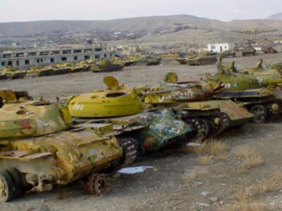 Alte russische Panzer wurden in Afghanistan verschrottet. / Foto: © Andre Spangenberg/dapd