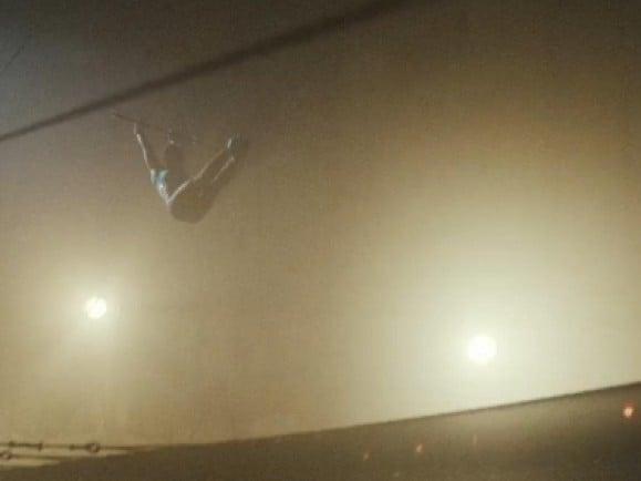 """Diese Woche geht's in den Zirkus! - im Video zu The Temper Trap's """"Trembling Hands"""". © Screenshot von vimeo.com"""