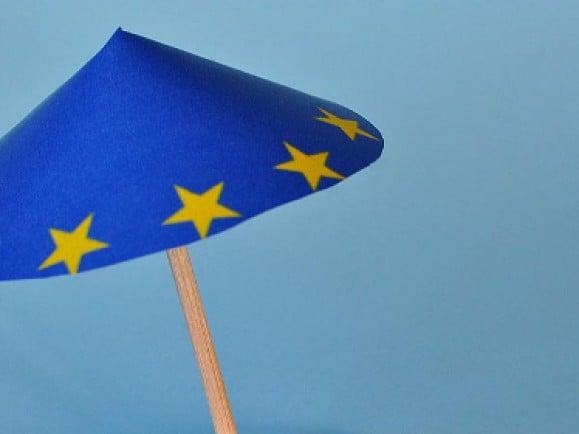 Der Euro-Rettungsschirm ist stark umstritten. Für Deutschland kann er zu Fass ohne Boden werden. Foto: © Kurt F. Domnik/pixelio.de