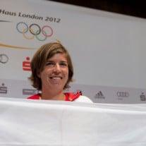 Auch Hockey-Spielerin Natascha Keller musste ihre Medaillenhoffnung schon in der Vorrunde begraben. Foto: © Maja Hitij/dapd