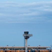Bis am Hauptstadtflughafen Berlin-Brandenburg Willy Brandt (BER) Flugzeuge starten können, wird es noch dauern. Foto: © Klaus-Dietmar Gabbert/dapd