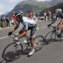 Hier die Fahrer der Tour de France im Anstieg zum Col du Telegraphe. Foto: © Christophe Ena/dapd.