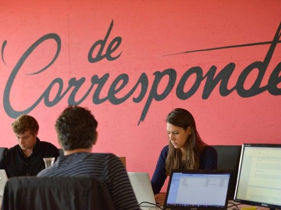 Die Redaktion von 'De Correspondent'. Foto: Bas Losekoot | De Correspondent