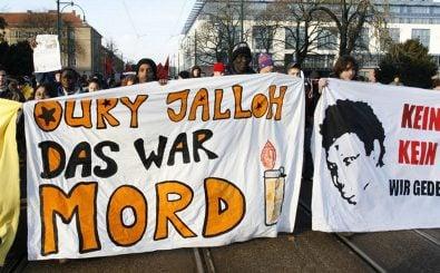 Demonstration zum Todestag von Oury Jalloh. Jetzt könnte der Fall neue Fahrt aufnehmen. Foto: CC BY SA 3.0 | Initiative in Gedenken an Oury Jalloh.