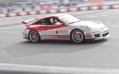 Vodafone und Porsche zeigen auf der CeBIT 2015 den neuen Mobilfunkstandard 5G