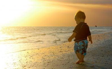 Fotos aus dem Familienurlaub oder die lustige Faschingsverkleidung: Eltern sollten abwägen, bevor sie Kinderfotos online stellen. Foto: Sunshine Baby CC BY-SA 2.0 | Foto: Eduardo Merille | Flickr