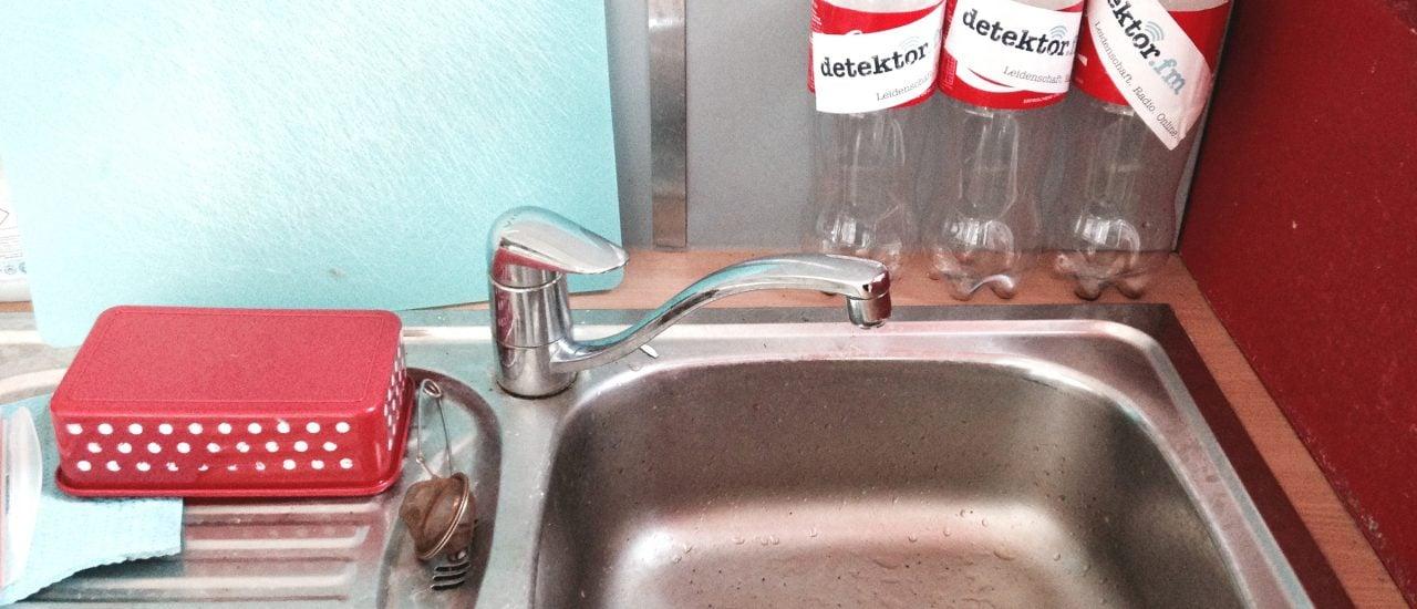 Süß, spritzig und ätzend – die Phosphorsäure in der Cola löst nicht nur Probleme mit verstopften Abflüssen. Foto: Coca Cola CC BY 2.0 | detektor.fm