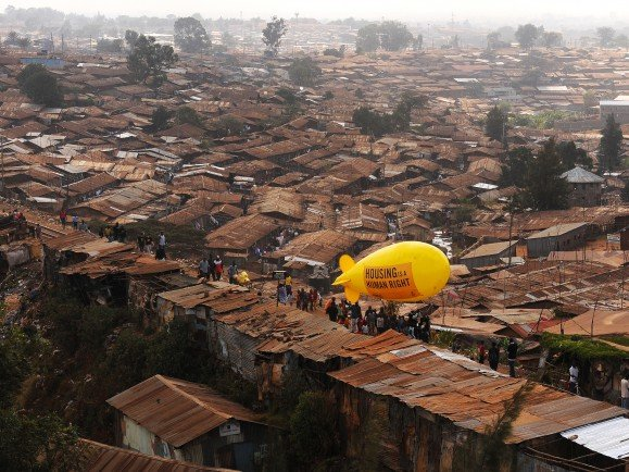 Slums_Carl_de_Souza_AFP