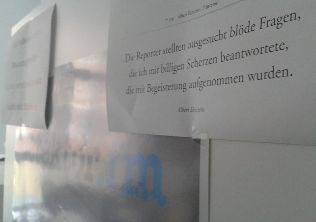 FQ_Einstein Zitat im Sendebüro_MaxHeeke