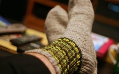 Es müssen nicht immer warme Socken sein: Es gibt noch ganz andere Tipps gegen kalte Füße. Foto: Project 365 #46: 150213 Sock It To 'Em | CC BY 2.0