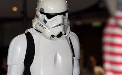 In einigen Kinos wird man ab dem 17. Dezember die Stormtrooper nicht sehen können. Rund 60 Kinos boykottieren die Film-Mietpolitik von Walt Disney. Foto: Star Wars EP1 3D CC BY-SA 2.0 | Eva Rinaldi / flickr.com