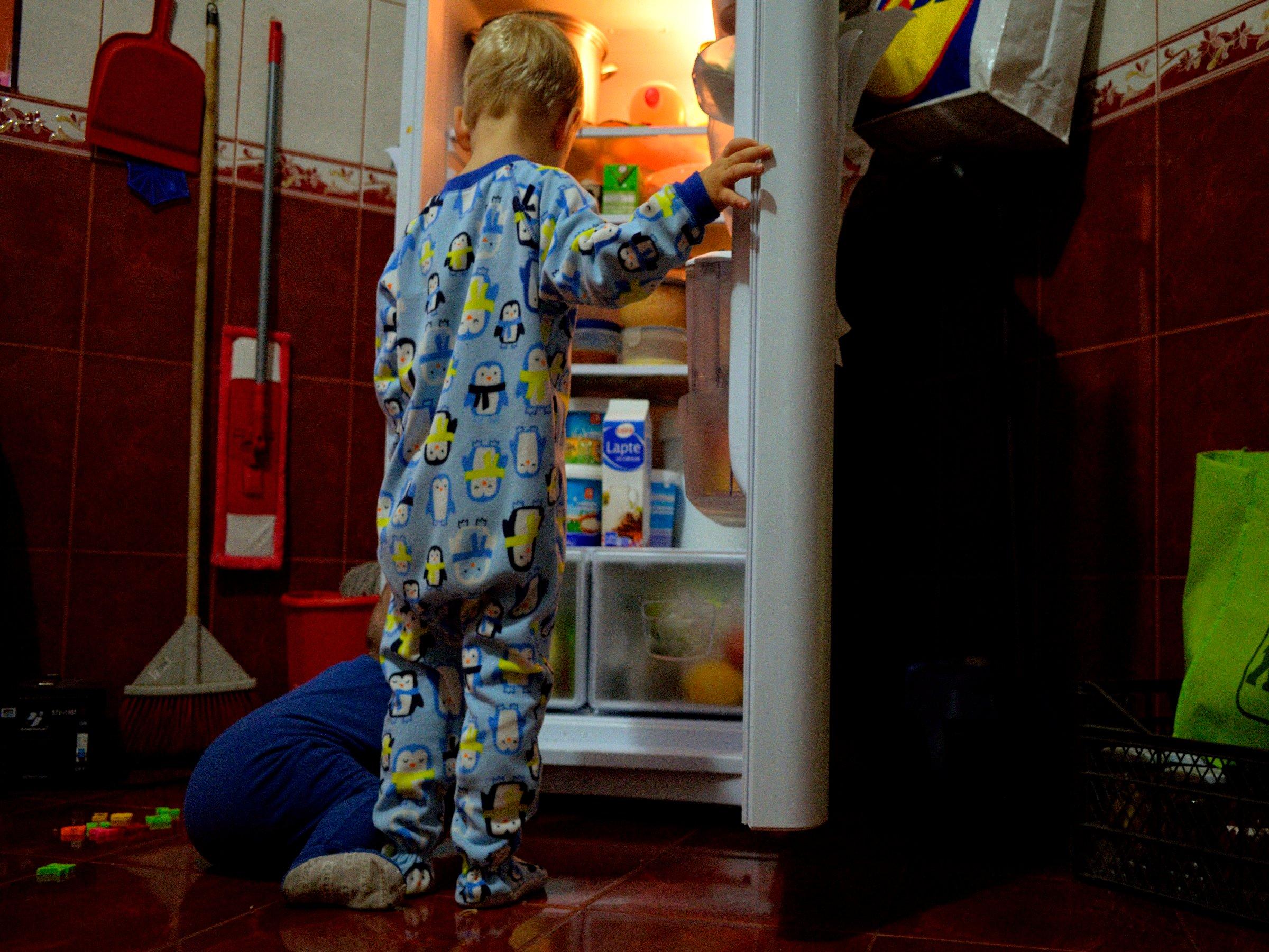 diy wie wird die wohnung kindersicher die wohnung mit kinderaugen betrachten. Black Bedroom Furniture Sets. Home Design Ideas