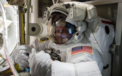 NASA Astronaut Scott Kelly bei der Arbeit. Foto: | NASA.