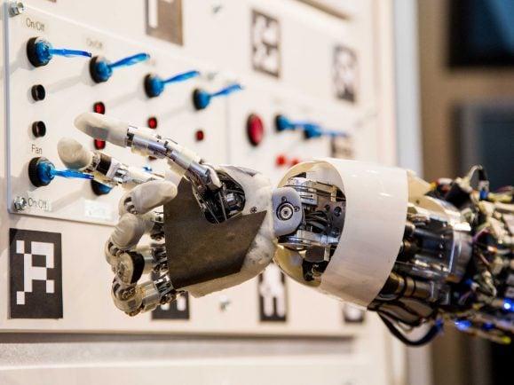 Bei Robotik und digitaler Innovation hat Deutschland wesentlichen Nachholbedarf, so die Expertenkommission Forschung und Innovation (EFI).
