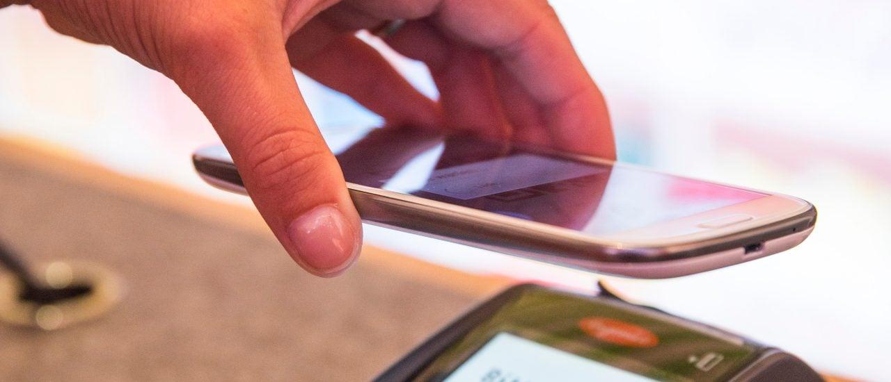 Mobiles Bezahlen: Bald kann man auch mit Paypal einkaufen gehen. Foto: Mobiles Bezahlen mit Vodafone SmartPass. CC BY-ND 2.0 | Vodafone Medien / flickr.com