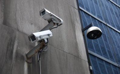 "Videoüberwachung: Bei Orwells ""1984"" noch Dystopie, heute Realität. Foto: Surveillance CC BY-SA 2.0 | Jonathan McIntosh / flickr.com"