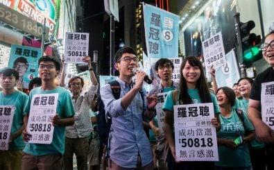 Der junge Nathan Law hat mit seiner neu-gegründeten Partei Demosisto bei den Parlamentswahlen in Hongkong überrascht. Foto: Isaac Lawrence | AFP