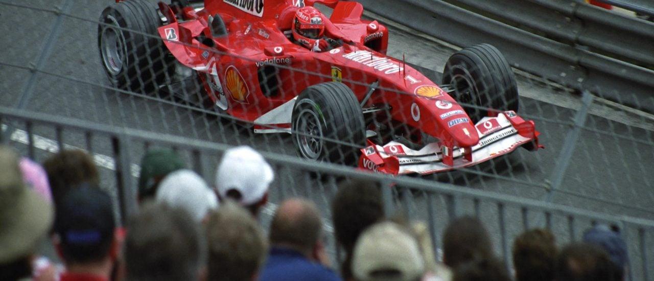Rund um Familie Schumacher entstehen täglich neue Gerüchte. Dagegen wehren sie sich – zur Not auch vor Gericht. Foto: Monaco 2004. /credits: CC BY 2.0 | Cord Rodefeld / flickr.com