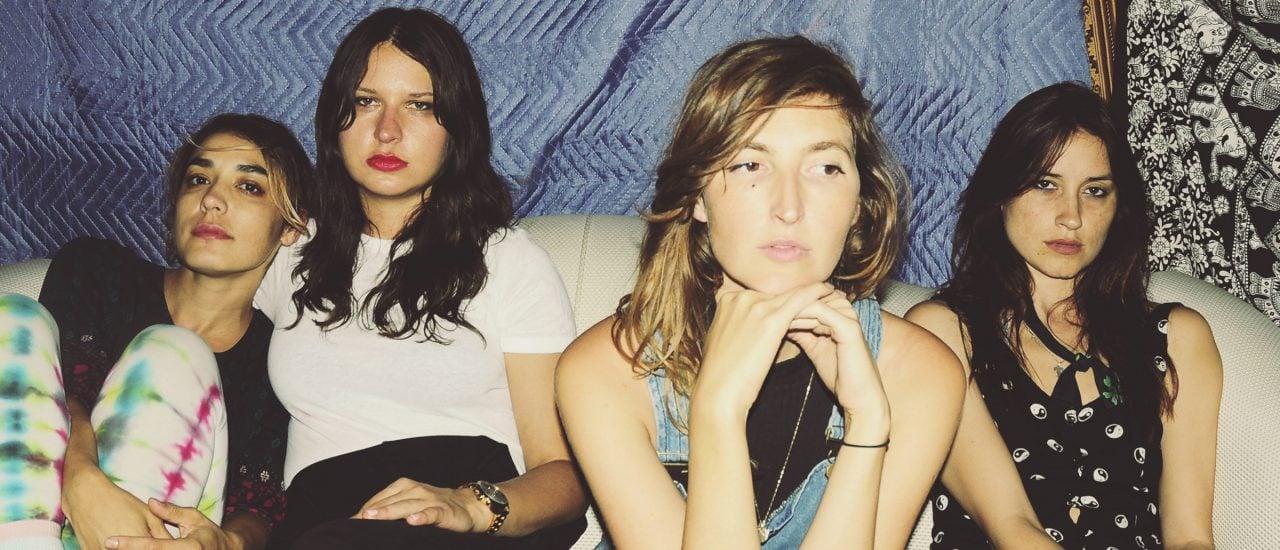 Es sieht vielleicht nicht so aus, aber Warpaint hatten Spaß mit ihren neuen Songs. Foto: Mia Kirby