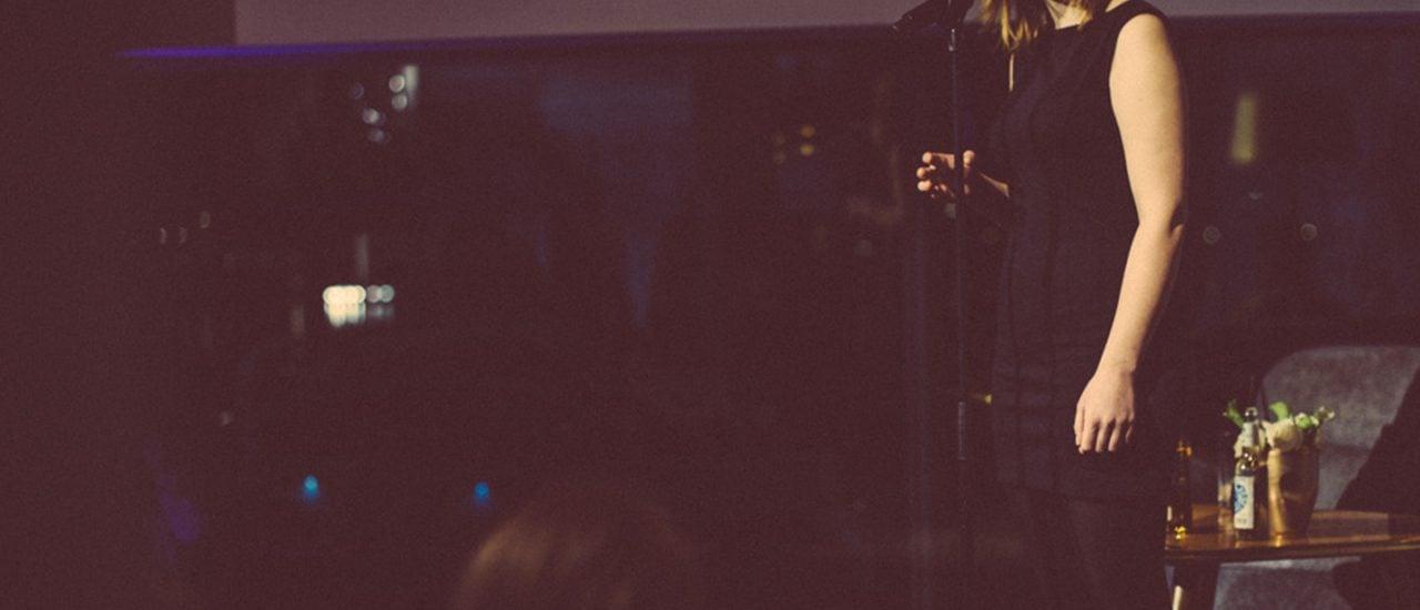 Mona Harry hat sich im letzten Jahr für das Finale der deutschsprachigen Poetry-Slam-Meisterschaften qualifiziert. Foto: | Pressefoto