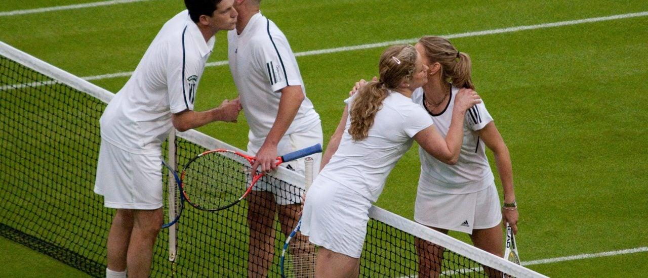 Neue Partner am Netz? Steffi Graf und Andre Agassi bei einem gemischten Doppel. Foto: The Boys Kiss Too / credits: CC BY 2.0 | Chris Eason / flickr.com
