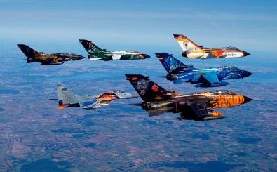 Bisher eine bunte Mischung, doch die EU will militärisch näher zusammenrücken. Der Verteidigungsfonds soll gemeinsame Projekte finanzieren. Foto: Panavia PA200 Tornado Formation Flight CC BY-SA 2.0 | Ronny Stiffel / flickr.com