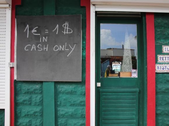 Wie misst man den Wert von Bargeld?