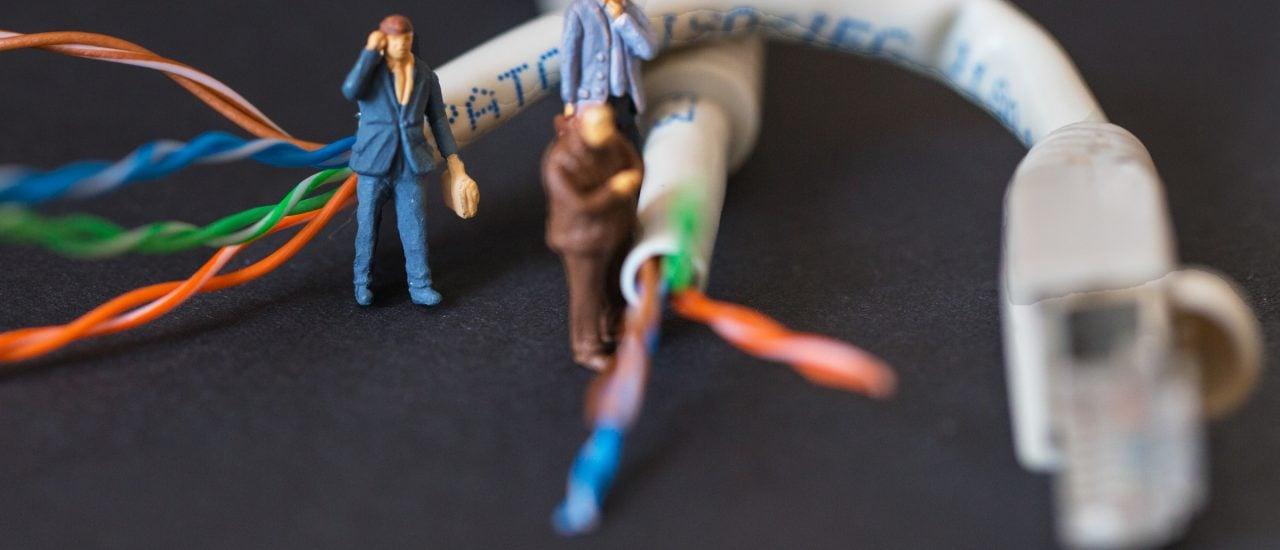 Den Internetanschluss oder das WLAN teilen – eine gute Idee oder nicht? Foto: Hotline CC BY-ND 2.0 | Ronald & Sylke / flickr.com