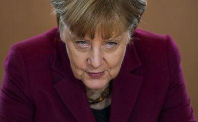 Angela Merkel ist erneut die Kanzlerkandidatin der CDU. Beim Parteitag in Essen äußern Parteimitglieder jedoch lautstark ihren Unmut. Foto: Afp | Odd Andersen