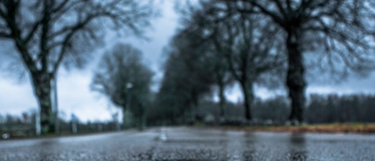 Asphalt sieht ziemlich eintönig aus, ist dabei aber sogar recht vielfältig. Foto: Middle Of The Road | CC BY 2.0 | Anders Printz / flickr.com