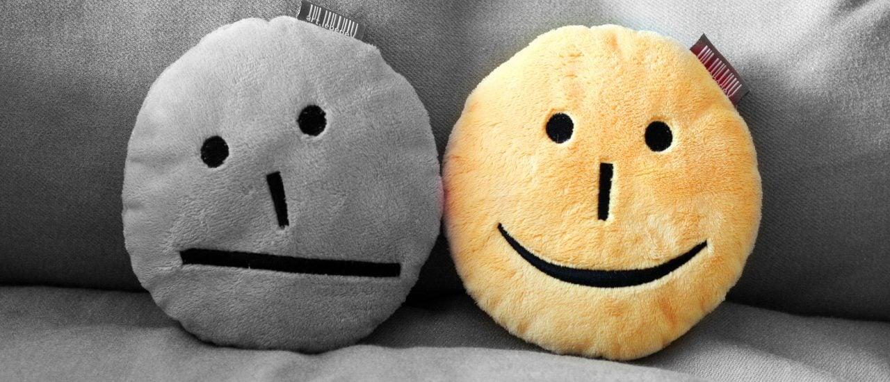 Ob jemand alles schwarz sieht, kann er oder sie auch selbst beeinflussen: mit Selbstmitgefühl. Foto: smile CC BY-SA 2.0 | wewiorka_wagner / flickr.com