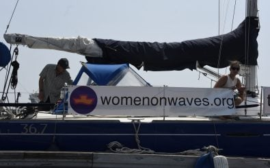 "Die Non-Profit-Organisation ""Women on Waves"" kämpft in internationalen Gewässern für die Rechte der Frauen. Foto: Johan Ordonez 