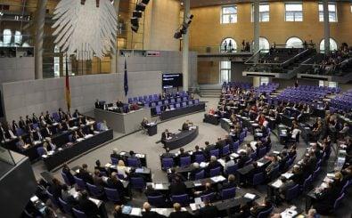 Bundestagsabgeordnete sind nur ihrem Gewissen verpflichtet. Wie passt die Fraktionsdisziplin da rein? Foto: Odd Andersen | AFP