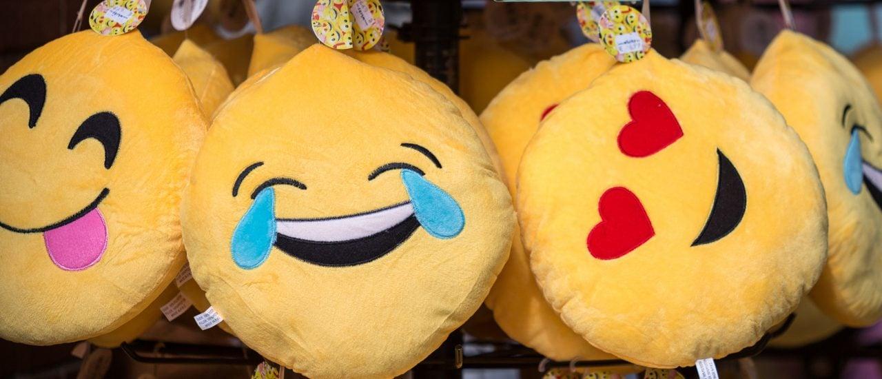 Hoffentlich vergeht dem Emoji nicht das Lachen. Die kleinen Bildchen können nämlich juristisch als Beleidigung gelten. Foto: Emoji CC BY-SA 2.0 | Frank Behrens / flickr.com