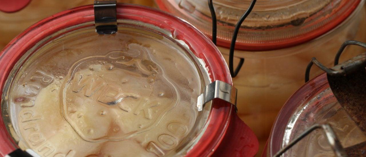 Weckgläser mit Schraubverschluss: immer wieder eine Herausforderung in der Küche. Foto: Preserving Pears 1 CC BY-SA 2.0 | Simaron / flickr.com