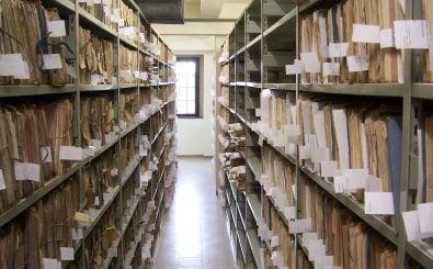 Akten und Unterlagen, die an die Öffentlichkeit gelangen sollten: Darf das mit den Mitteln des Urheberrechts verhindert werden? Das muss der EuGH entscheiden. Foto: Magazinraum CC BY-SA 2.0 | Nomen Obscurum / flickr.com