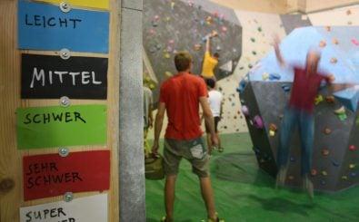 In der Boulderhalle kommen Anfänger und Profis auf ihre Kosten.