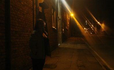 Ein Präzedenzfall? Ein Freier hat eine Prostituierte im Saarland angezeigt, weil er zu schnell gekommen ist. Symbolbild: Prostitution the hidden side of the city: CC BY-SA 2.0 | underclassrising.net / flickr.com