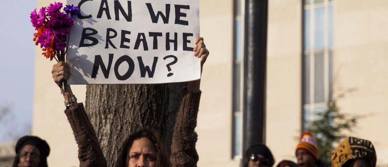 Die Bewegung Black-Lives-Matter kämpft gegen Rassismus. Foto: Can We Breathe Now? Black Lives Matter / Credit: Lorie Shaull CC BY-SA 2.0 | Lorie Shaull| flickr.com