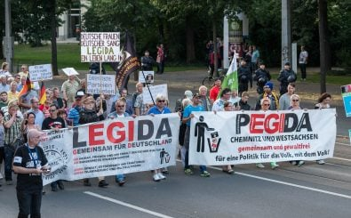 Neue Rechte: Pegida und seine Ableger haben die rechte Szene in Deutschland grundlegend verändert. Foto: LEGIDA – 04.07.2016 | CC BY 2.0 | De Havilland / flickr.com