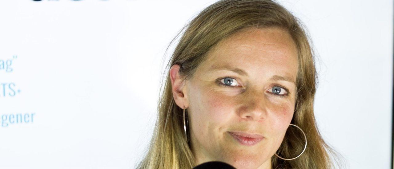 Die Literaturübersetzerin Maria Hummitzsch übersetzt aus dem Portugiesischen und Englischen. Foto: Merten Waage / detektor.fm