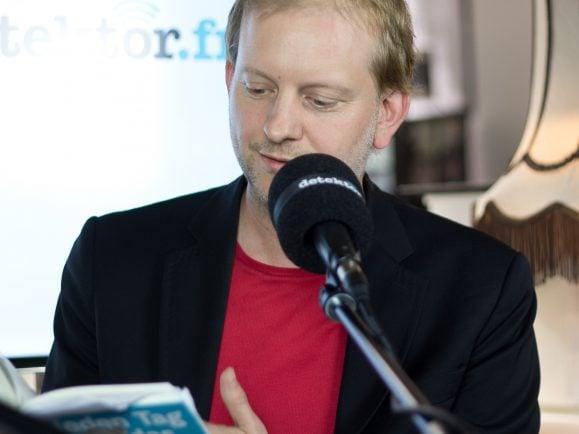 Michael Stauffer liest aus seinem neuen Buch. Foto: Kati Zubek | detektor.fm