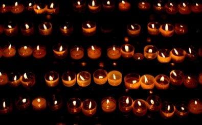 Jedes Jahr gedenkt Mölln der Opfer des Brandanschlages. Foto: https://flic.kr/p/93tzaCMartin Fischer/Flickr.com
