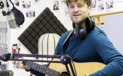 Lasse Matthiessen zu Gast im Studio. Foto: detektor.fm