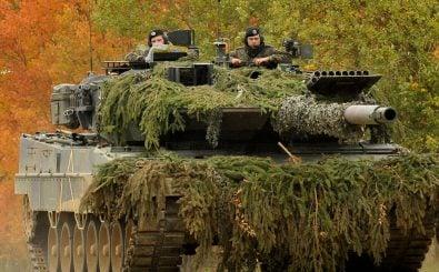 Amerikanische Soldaten in einem deutschen Panzer. Finden solche Übungen bald ohne die USA statt? Foto: Markus Rauchenberger / flickr.com / Public Domain Mark 1.0