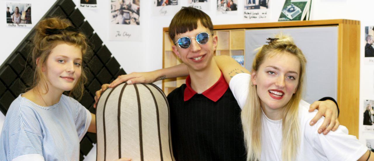 Lotta, Johann und Nina (von links) sind Blond. Foto: detektor.fm | Kati Zubek