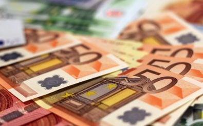Bald ein Produkt der Vergangenheit? Laut der Commons-Bewegung soll gegenseitiges Helfen Geld überflüssig machen. Foto: billets-de-banque-euros-1456165834Zs3 / credits: CC0 1.0 | CAN Europe / flickr.com