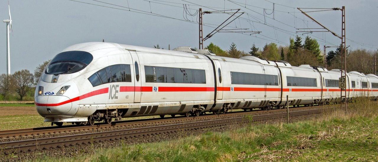 Von Berlin nach München in unter vier Stunden – das ist über die neue ICE-Strecke nun möglich. Doch darüber sind nicht alle glücklich. Foto: Mehrhoog Haldern ICE3M 4653 naar Amsterdam | Rob Dammers / flickr.com / CC BY 2.0