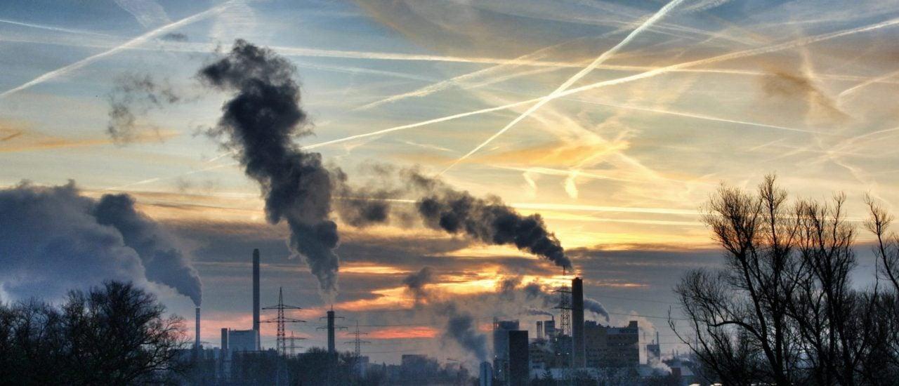 In vielen deutschen Städten ist die Luftverschmutzung zu hoch. Foto: written in the sky (cc) CC BY-SA 2.0 | Martin Fisch / flickr.com
